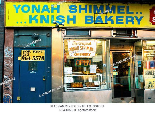 Yonah Schimmel's Knish Bakery. New York City, USA
