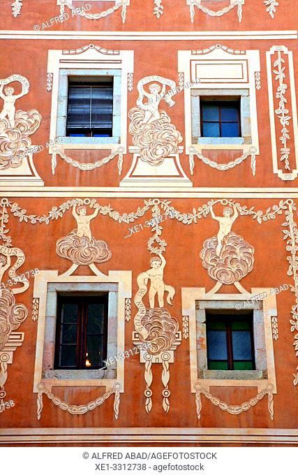 facade of building with sgraffito, Plaça del Pi, Ciutat Vella, Barcelona, Catalonia, Spain