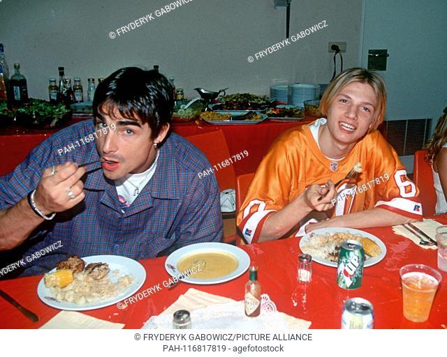 US boygroup Backstreet Boys on 11 June 1996 in Mannheim. Kevin Richardson and Nick Carter (r).   usage worldwide. - Mannheim/Baden-Württemberg/Germany