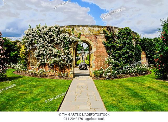 hever castle,edenbridge,kent,england,uk,europe