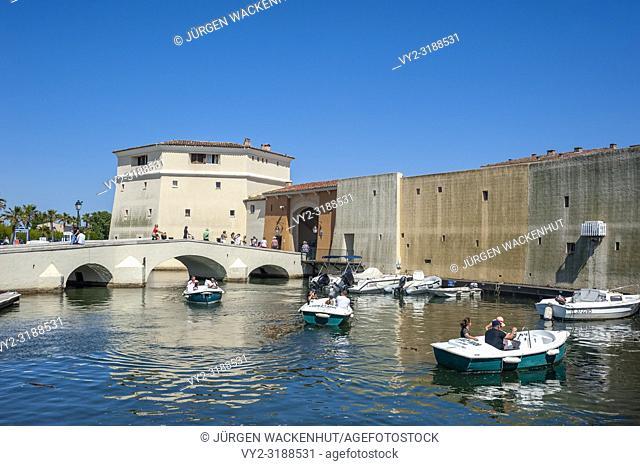 City wall at the bridge Pont de la Poteme, Port Grimaud, Var, Provence-Alpes-Cote d`Azur, France, Europe