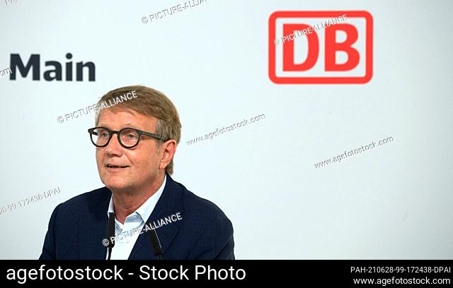 28 June 2021, Hessen, Frankfurt/Main: Ronald Pofalla, Deutsche Bahn Board Member for Infrastructure, speaks at a press conference on the planning for the future...