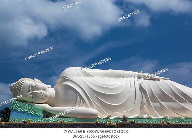 Vietnam, Mekong Delta, My Tho, Vinh Trang Pagoda, giant reclining Buddha statue