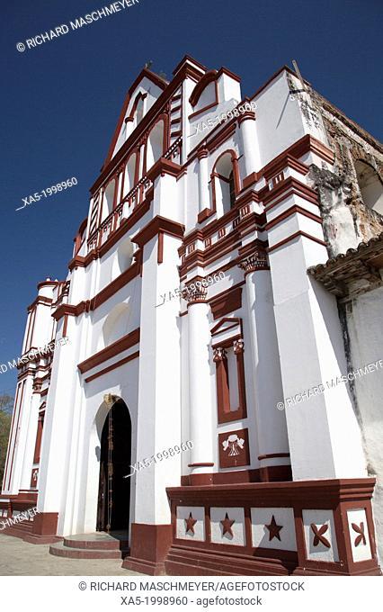 Mexico, Chiapas, Chiapa de Corzo, Facade of the Santo Domingo Church, originally built during the late 16th century