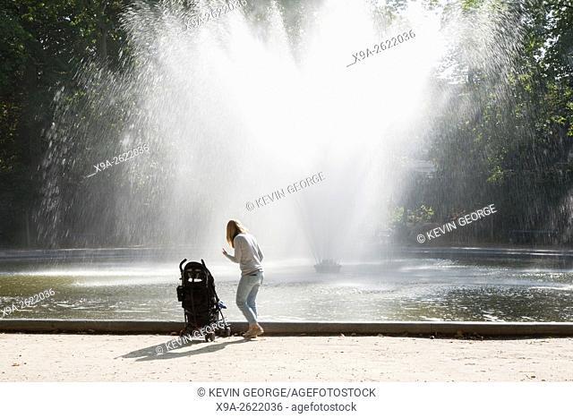 Fountain in Brussels Park - Parc de Bruxelles - Warandepark, Belgium