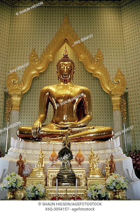 The Golden Buddha in Wat Traimit in Bangkok in Thailand in Southeast Asia Far East. Phra Phutta Maha Suwana Patimakon