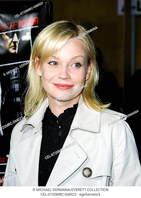 Samantha Mathis at arrivals for THE LOOKOUT Premiere, Egyptian Theatre, Los Angeles, CA, March 20, 2007. Photo by: Michael Germana/Everett Collection