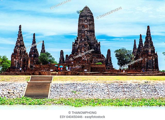 Chaiwatthanaram temple at Ayutthaya in Thailand and most famous for tourist take photo from the river
