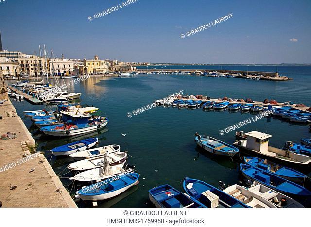 Italy, Puglia, Gallipoli, citadel, old town, fishing harbour, Ionian Sea