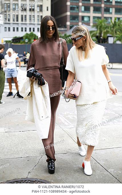 A chic showgoer posing on the street during New York Fashion Week - Sept 11, 2018 - Photo: Runway Manhattan ***For Editorial Use Only?*** | usage worldwide