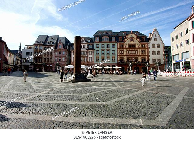 Heunensaeule Column In The Middle Of The Market Square, In Mainz, Germany