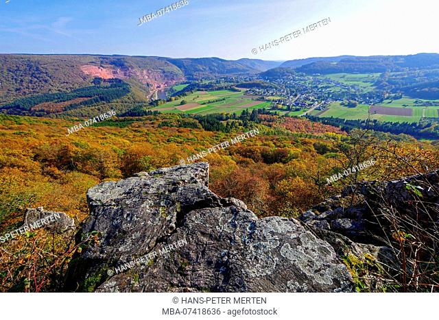 Autumn mood on the Maunert near Taben-Rodt with a view of the Saar Valley, Rhineland-Palatinate, Germany