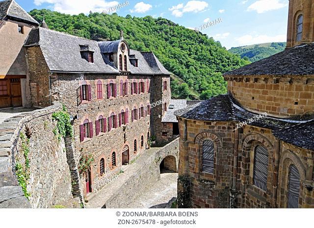 pilgrims' hostel, Sainte Foy abbey church, Via Podiensis or Chemin de St-Jacques, UNESCO World Heritage Site, Conques pilgrimage site, Midi-Pyrenees, France