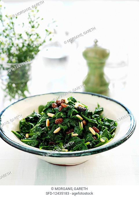 Sauteed spinach with raisins