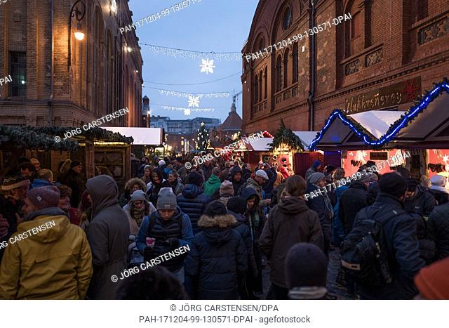 View of the Lucia Christmas Market at the 'Kulturbrauerei' (lit. 'Culture Brewery') on the premises of a former brewery in Berlin, Germany, 3 December 2017
