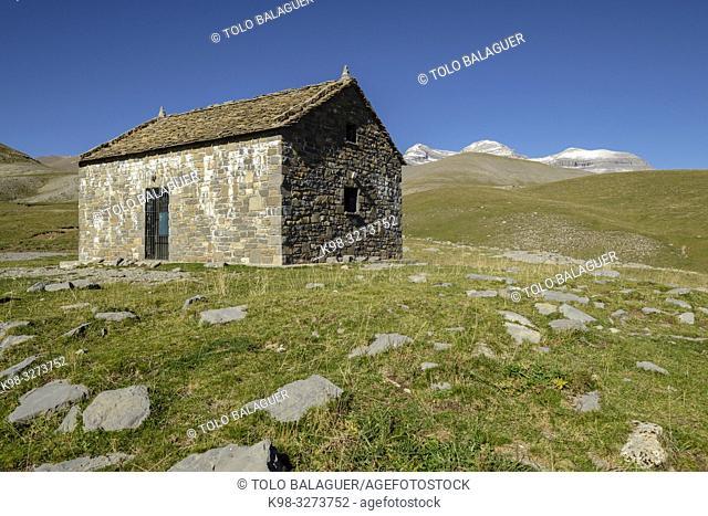 refugio de pastores de Cuello Arenas, parque nacional de Ordesa y Monte Perdido, comarca del Sobrarbe, Huesca, Aragón, cordillera de los Pirineos, Spain