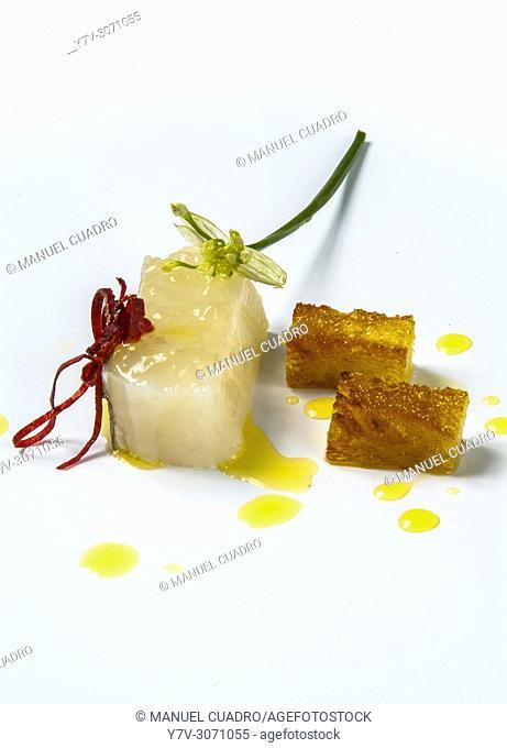 Plato de Bacalao con pan y aceite (cod with bread and olive oil). Restaurant Gaminiz. Zamudio, Biscay, Basque Country, Spain