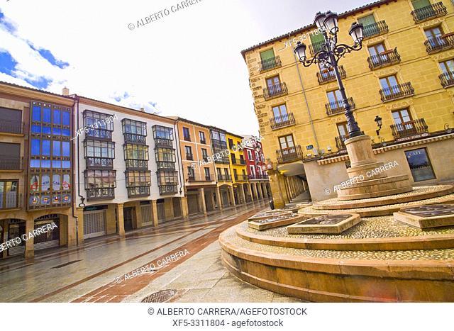 Street Scene, Tipycal Architecture, Old Town, Soria, Castilla y León, Spain, Europe