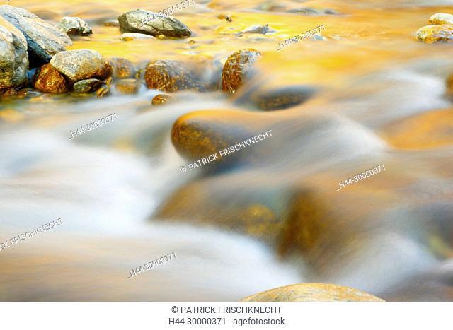 Flusslauf Lonza, Wallis, Schweiz