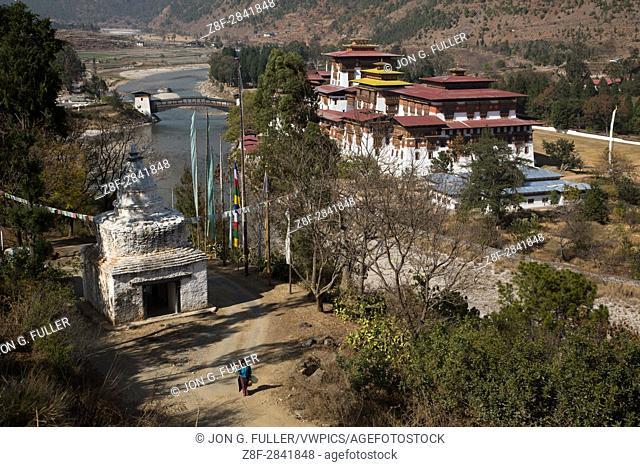 Tibetan-style stupa across the Mo Chhu River from the Punakha Dzong. Punakha, Bhutan