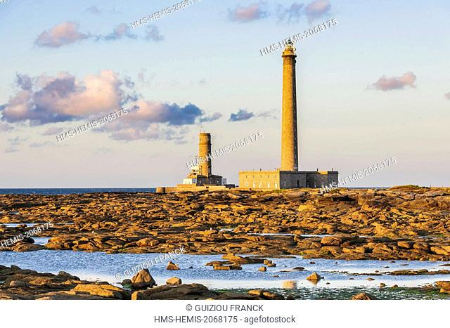 France, Manche, Cotentin, Gatteville le Phare or Gatteville Phare, Gatteville lighthouse or Gatteville Barfleur lighthouse and the semaphore at the tip of...