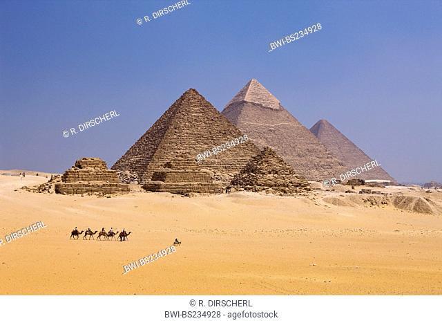 Pyramids of Giza with tourists, Egypt, Kairo, Gizeh