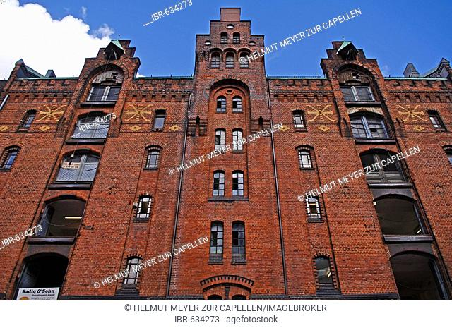 Detail shot of a turn-of-the-century warehouse complex in the Speicherstadt warehouse district in Hamburg, Germany, Europe