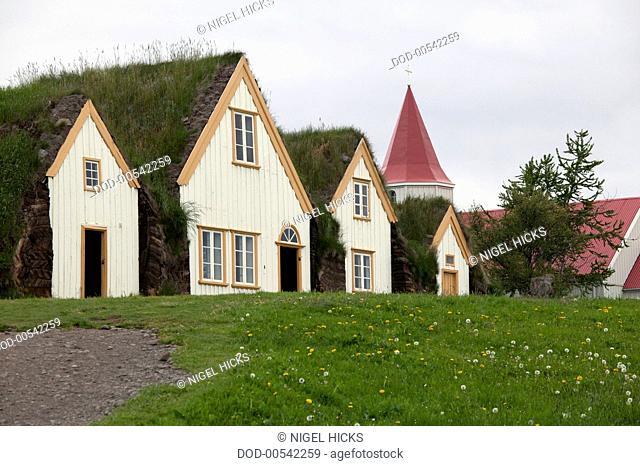 Iceland, Saudarkrokur area, traditional turf-roofed farm buildings at Glaumbaer farm and museum