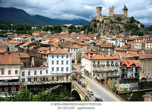 View of Foix, Midi-Pyrénées, Pyrenees, departement of Ariege, France, Europe. Houses with red tile roofs