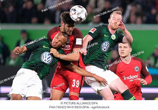 22 April 2019, Lower Saxony, Wolfsburg: Soccer: Bundesliga, 30th matchday: VfL Wolfsburg - Eintracht Frankfurt in the Volkswagen Arena