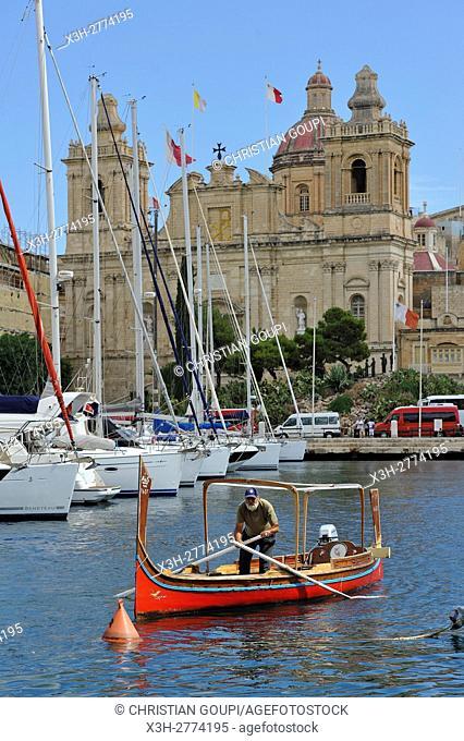 water-taxi (Dghajsa) at Birgu's Marina (Vittoriosa), Three Cities, Malta, Southern Europe