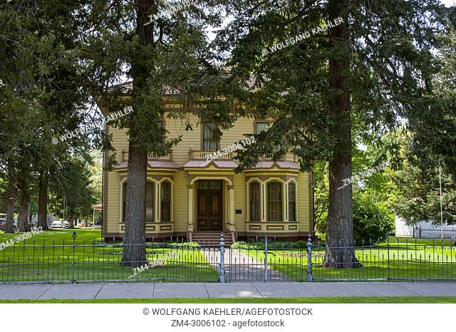 Bruce Memorial Museum, mansion built in 1883 by W. P. and Carolyn Bruce in Waitsburg, Eastern Washington, USA