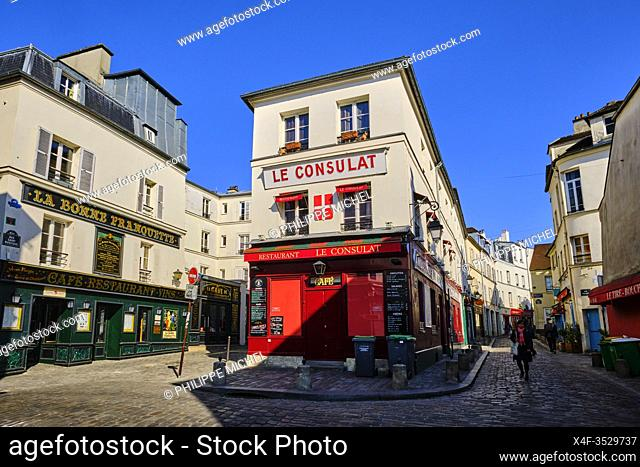 France, Paris, Montmartre, the Consulat café and the Sacré Coeur Basilica during the lockdown of Covid 19