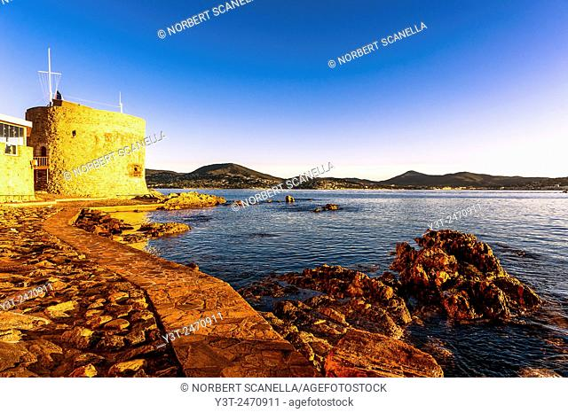 Europe, France, Var, Saint-Tropez. Ponche beach and the Tower Portalet at the early morning, XV century