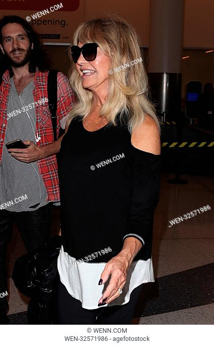 Goldie Hawn at Los Angeles International Airport (LAX) Featuring: Goldie Hawn Where: Los Angeles, California, United States When: 01 Nov 2017 Credit: WENN