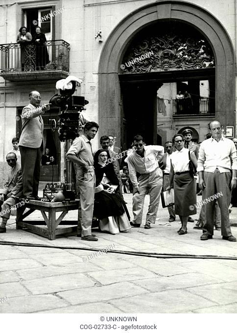 Italian director Mario Camerini and actress Anna Magnani on the set of the movie Sister Joy