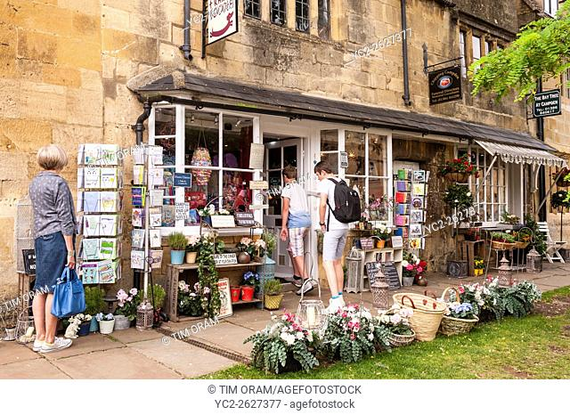 A gift shop in Chipping Campden , Gloucestershire , England , Britain , Uk