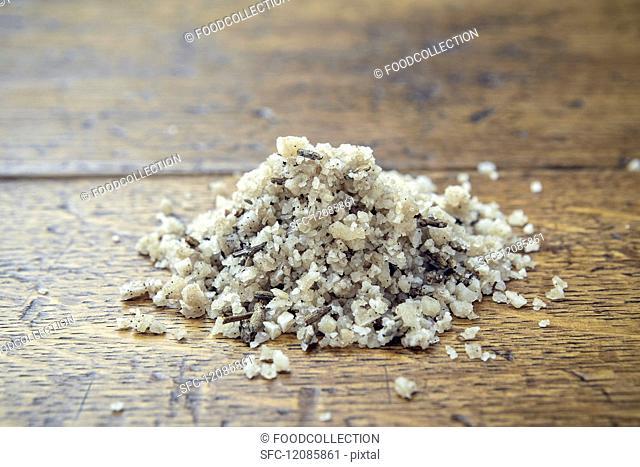 A pile of vanilla & lavender salt