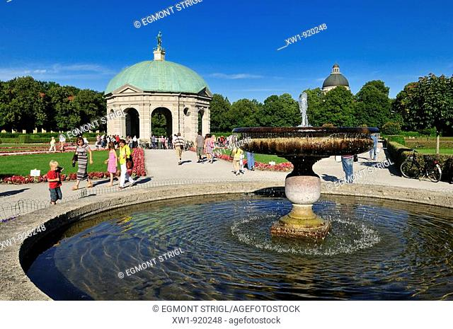 royal gardens of Hofgarten with fountain and pavillion, Munich, München, Bavaria, Germany, Europe