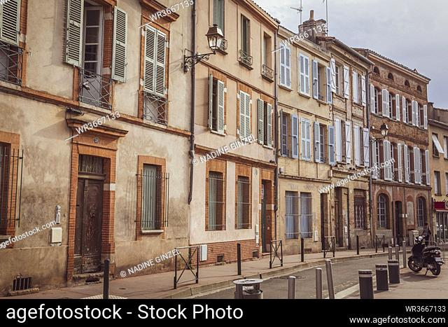 France, Haute-Garonne, Toulouse, Row of old townhouses