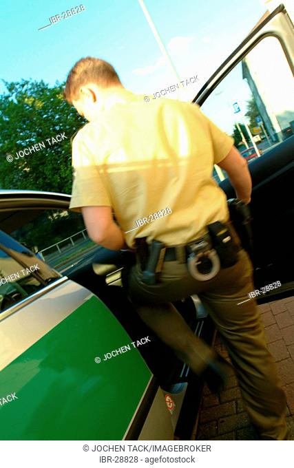 DEU, Germany, Essen: Daily police life. Officer from a city police station