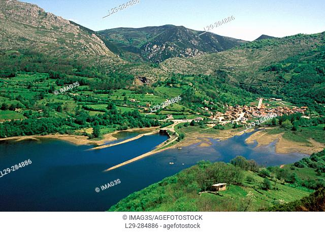 Rioseco reservoir, Redes Natural Park and Biosphere Reserve. Asturias, Spain