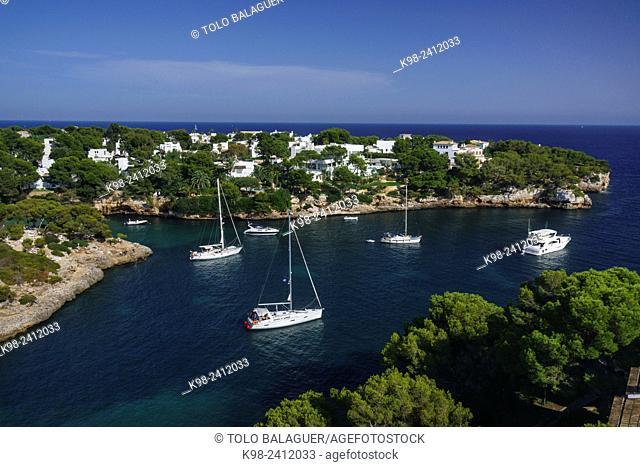 enbarcaciones de recreo en Cala Ferrera, Cala D'Or, municipio de Santanyi,islas baleares, Spain