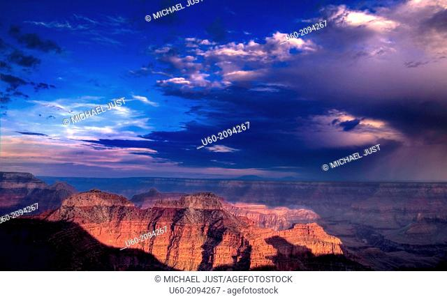 An approaching thunderstorm threatens the Grand Canyon at Point Sublime
