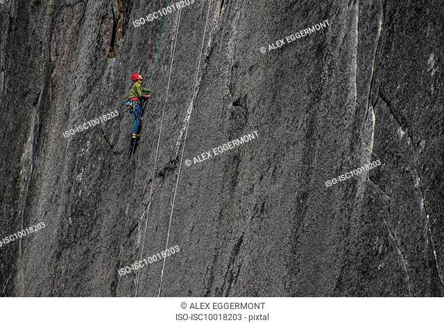 Man trad climbing, Squamish, Canada