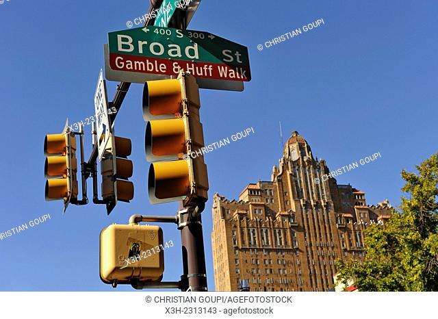 Traffic lights, Broad Street, Philadelphia, Commonwealth of Pennsylvania, Northeastern United States,