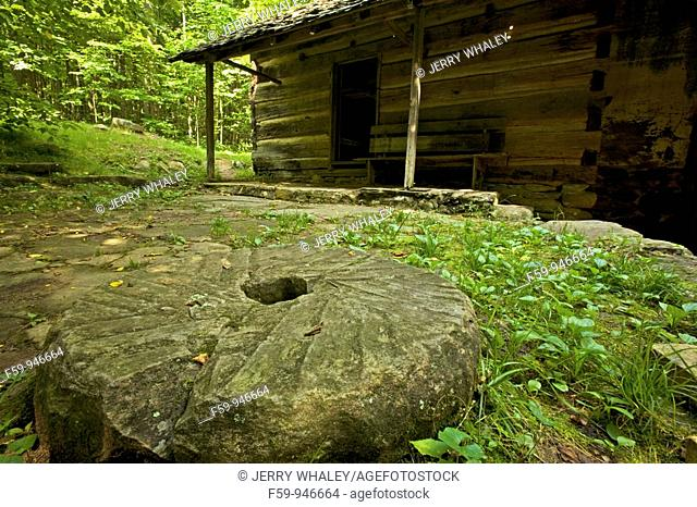 Millstone, Cabin, Greenbrier Area, Great Smoky Mtns Nat  Park, TN
