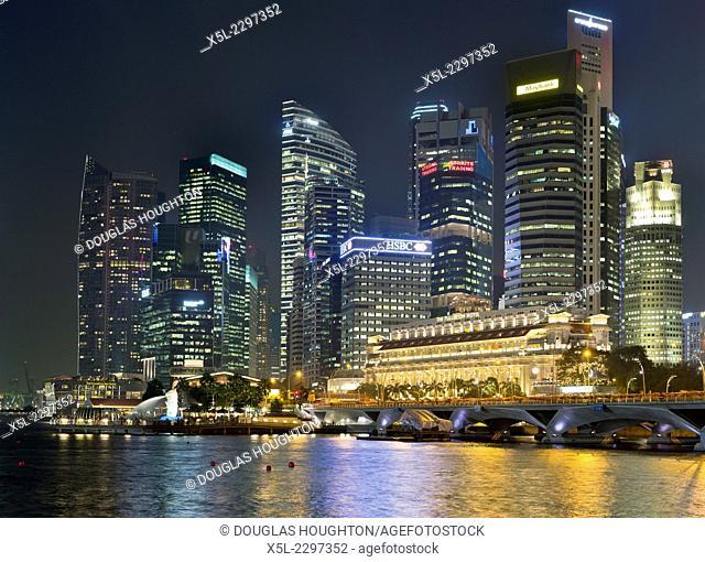 Marina Bay DOWNTOWN CORE SINGAPORE Evening night lights dusk