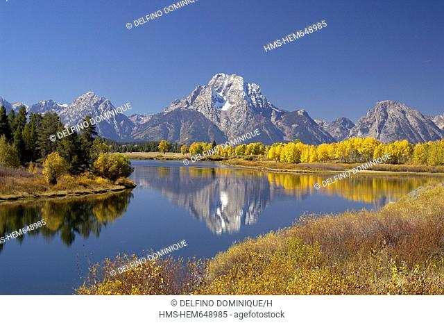 United States, Wyoming, Grand Teton National Park, Teton Mountain Range in Autumn