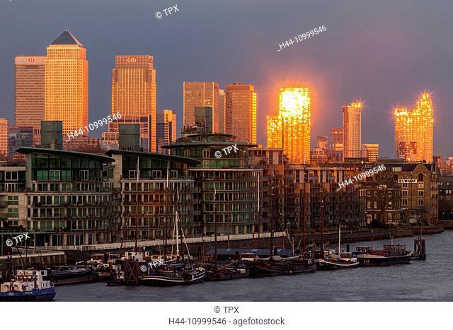 England, London, Canary Wharf and Docklands Skyline